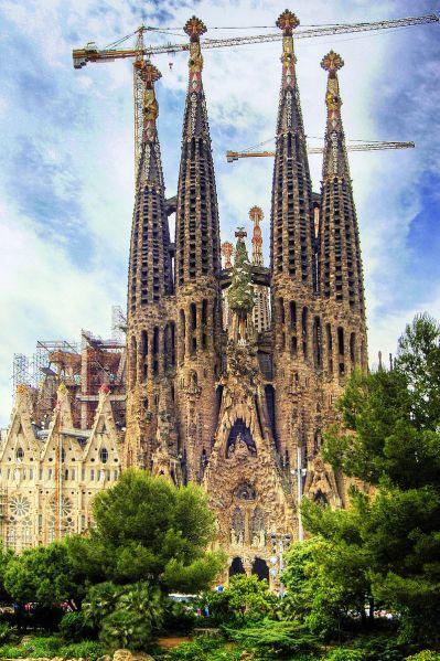 800px-Barcelona_Temple_Expiatori_de_la_Sagrada_Fam_lia_(2050445207)