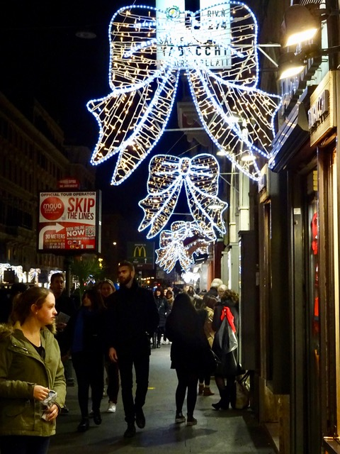 Christmas In Italy Decorations.Christmas Decorations In Rome Italy Trudymason Com